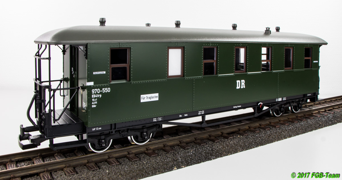 DR Personenwgen (Passenger car) 970-550 WC Seite (Side with toilet)
