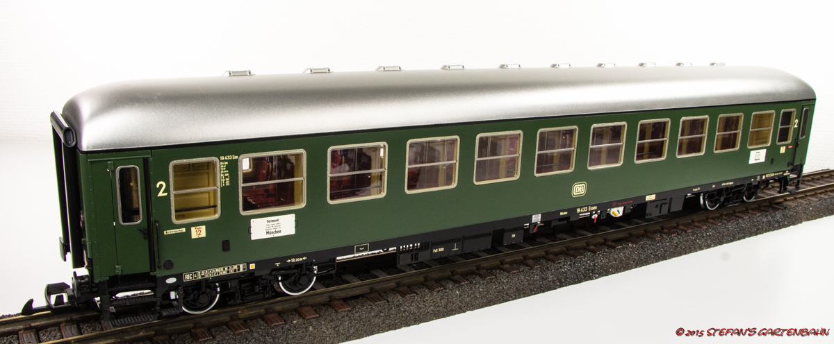 DB 2. Klasse Abteilwagen (2nd class compartment coach) B4üm-63