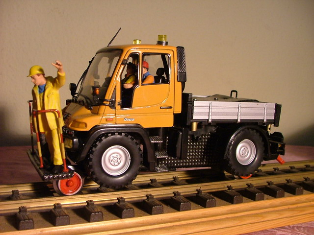 2 Wege Unimog (Two-way Unimog truck)