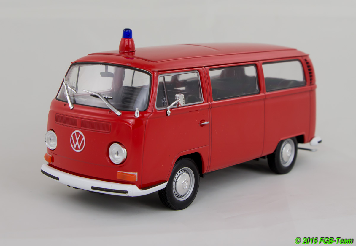 1972 VW T2 Bus Feuerwehr (Fire department) by Welly
