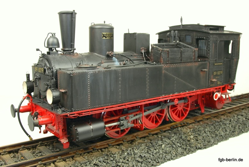DR Dampflokomotive (Steam locomotive) 89 8219
