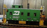 Burlington Northern Güterzugbegleitwagen (Long Steel Caboose) 11529