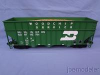 Burlington Northern Wagen mit Holzschnitzelladung (Wood chip car) 526789