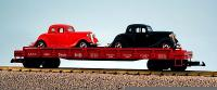 Santa Fe Flachwagen mit 2 Ford Coupe street rods (Flat car with 2 Ford Coupe street rods) 89651