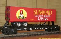 TrailerTrain Flachwagen mit Sattelanhänger (Flat car with trailer) 476851 Sun Maid Raisins