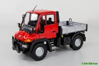 Mercedes Unimog U400, rot (Unimog U400 truck in red)