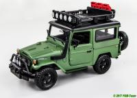 Toyota FJ40 Hardtop mit Dachgepäckträger (Hard top with luggage carrier) by MotorMax