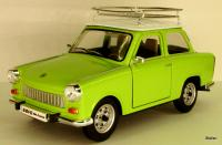 Trabant (East German Automobile) 601 hellgrün mit Dachträger/light green with roof rack