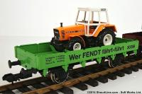 Niederbordwagen mit Traktor (Low-sided gondola with tractor) 30356